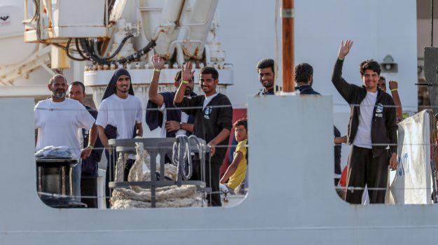 migranti, nave diciotti, sbarco trapani, Trapani, Cronaca