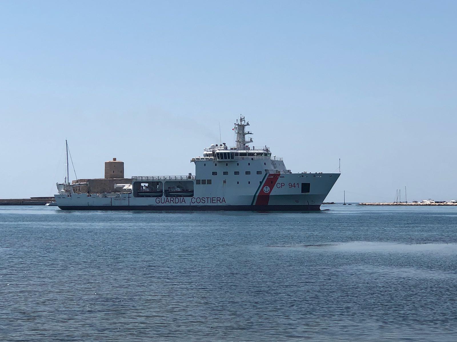 Diciotti verso Catania: sbarco in stand-by
