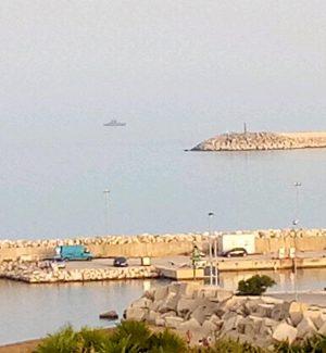 La nave Protector di Frontex in rada a Pozzallo