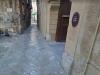 Artista inglese aggredito e trovato in una pozza di sangue a Palermo, indagini in corso