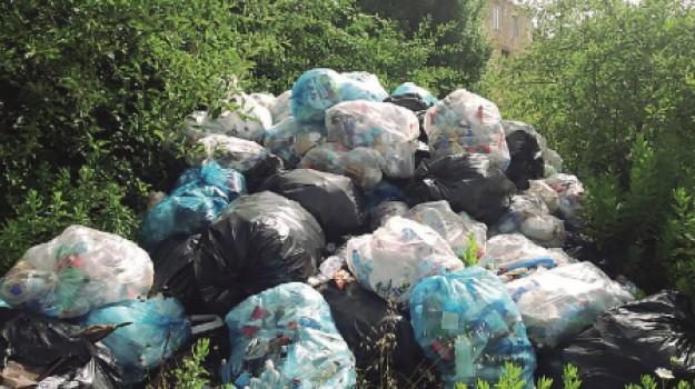 Parco di Segesta rifiuti, Trapani, Cronaca