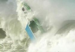 Isola di Nias, in Indonesia: straordinaria mareggiata