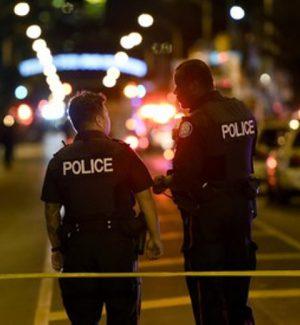 Spari in strada alla periferia di Toronto: 9 feriti, ucciso l'attentatore