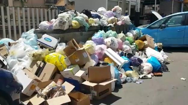 rifiuti palermo, Palermo, Economia