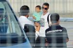 Sbarco a Torino da star per Cristiano Ronaldo, inizia la sua avventura alla Juventus
