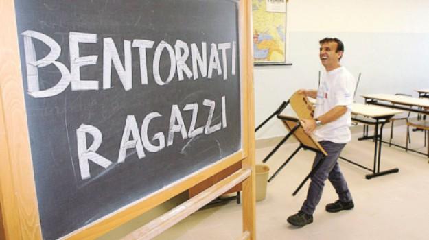insegnanti, LAVORO, mobilità docenti, Sicilia, Economia