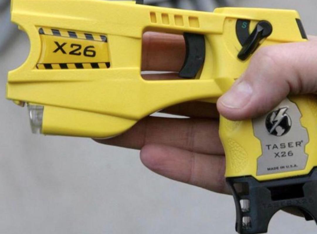 Ok alla pistola elettrica: Salvini sceglie Caserta tra le città pilota