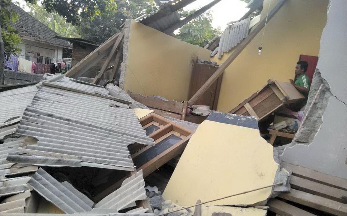Indonesia, terremoto di magnitudo 6.4. L'epicentro a Lombok: vittime e feriti