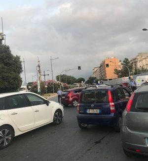 Corteo antirazzista dal porto al centro di Palermo, traffico in tilt