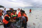 Traghetto affonda durante una tempesta in Indonesia, 31 morti