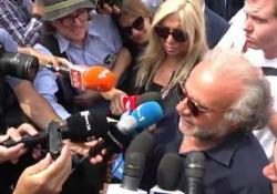 L'attore commosso ai funerali del regista scomparso domenica 8 luglio