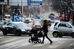 Bambini in passeggino esposti al doppio dello smog di chi sta in piedi