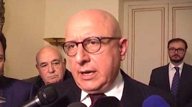 """Riscossione Sicilia contro Armao: """"Pignorare il suo stipendio"""""""