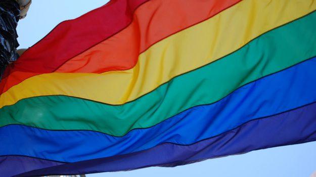 noto cultura omotransessuale, Siracusa, Società
