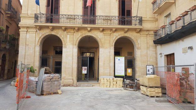 restauro palazzo municipale salemi, Trapani, Economia