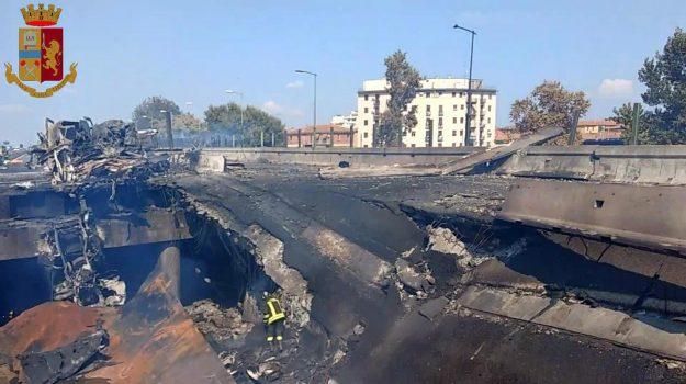 incendio bologna, Sicilia, Cronaca