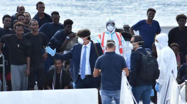 diciotti, Minacce morte Patronaggio, nave diciotti, Luigi Patronaggio, Sicilia, Cronaca