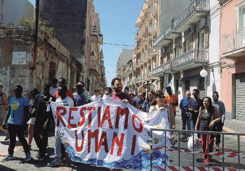 migranti enna servizi, Enna, Cronaca