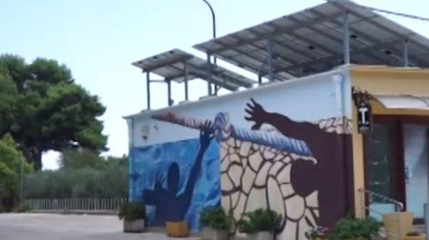 Petrosino si rifà il look, i murales sulle facciate delle abitazioni