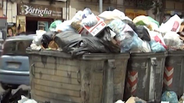 Emergenza rifiuti a Palermo, presentato il nuovo piano della Rap