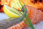 Pesce, basta bugie sui menù: dal salmone alle sardine, vademecum su cosa si mangia davvero