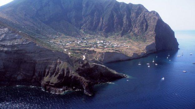 Isole Eolie, turismo, Clara Rametta, Giuseppe Siracusano, Messina, Economia