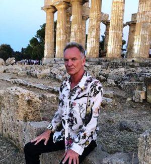 Sting ai piedi del tempio di Hera