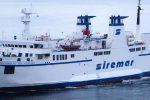 Guasto al motore, traghetto da Palermo per Ustica torna indietro: disagi per 90 viaggiatori