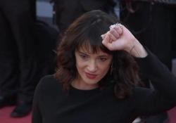 E' tramite la modella Rain Dove che il sito Tmz ha avuto i messaggi in cui l'attrice confessa di aver avuto rapporti sessuali col giovane