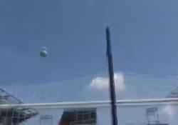 Dani Ceballos, giocatore del Real Madrid, è riuscito a segnare da dietro la porta calciando di spalle