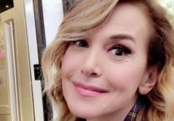 La presentatrice ha ricevuto un colpo sul set della fiiction «La dottoressa Giò»
