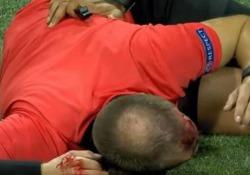 In Europa League: l'assistente dell'arbitro ko