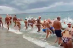 """Messina, nello Stretto la classica nuotata dei """"buddaci"""""""