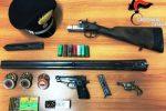 Colpi di pistola dopo una lite per la benzina, padre e figlio arrestati a Catania