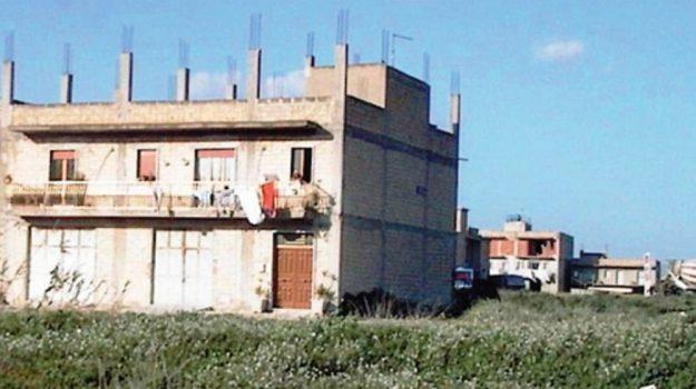 case abusive alcamo, Trapani, Cronaca