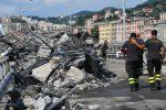 """Crollo di Genova, sequestrati i """"monconi"""" del ponte: ipotesi cedimento dei tiranti"""