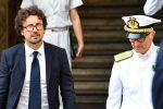 """Crollo di Genova, Toninelli: """"Nazionalizzare le autostrade conviene, ricavi dei pedaggi allo Stato"""""""
