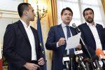Manovra, l'Ue chiede altri 3 miliardi di risparmi: no di Di Maio e Salvini. Ore decisive per l'accordo