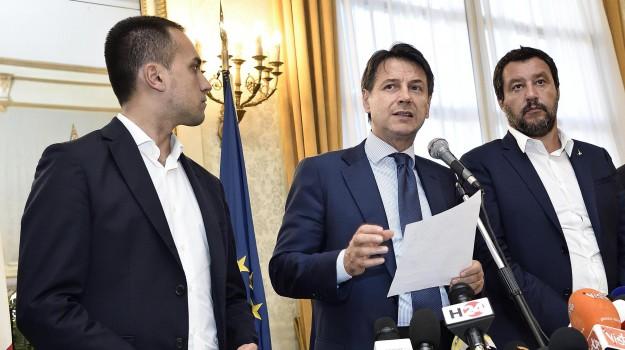 governo, Lega, MOVIMENTO 5 STELLE, reddito di cittadinanza, Giuseppe Conte, Luigi Di Maio, Matteo Salvini, Sicilia, Politica