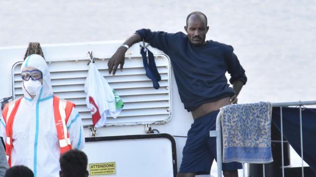 migranti, nave diciotti, Luigi Di Maio, Salvo Pogliese, Catania, Cronaca