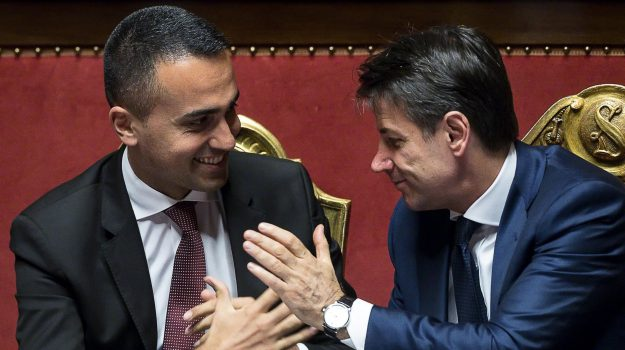 assunzioni stabili, contratti a tempo determinato, decreto dignità, voucher, Sicilia, Politica
