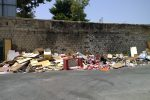 Rifiuti abbandonati in via Giachery, Palermo