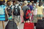 Svimez: dal Sud quasi 2 milioni di emigrati in cerca di lavoro, la Sicilia è la regione che cresce meno
