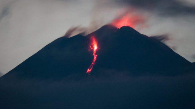 eruzione etna, vulcano cratere, Catania, Cronaca