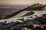 Suv Audi e-Tron scende da Pikes Peak ricaricando le batterie