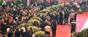 Un momento dei funerali a Genova