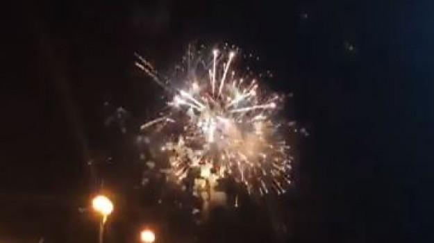 Fuochi d'artificio, musica e tradizione a Brolo
