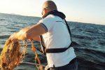 Pesca abusiva allo Stagnone di Marsala, sequestrati 15 nasse e 150 metri di rete