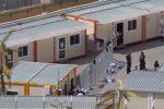 """Venti migranti fuggiti dall'hotspot di Messina, De Luca: """"Lamorgese li porti in Parlamento"""""""