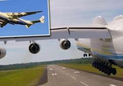 L'An-225 affascina gli appassionati di aviazione